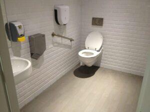 De WC spoelt niet door? Gebruik geen ontstoppingsmiddelen!